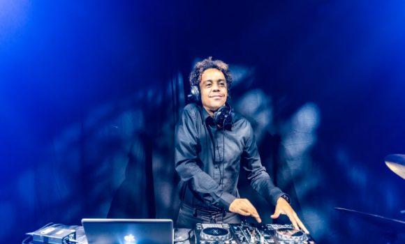 DJ AOD_bedrijfsfeest coverband Act on Demand