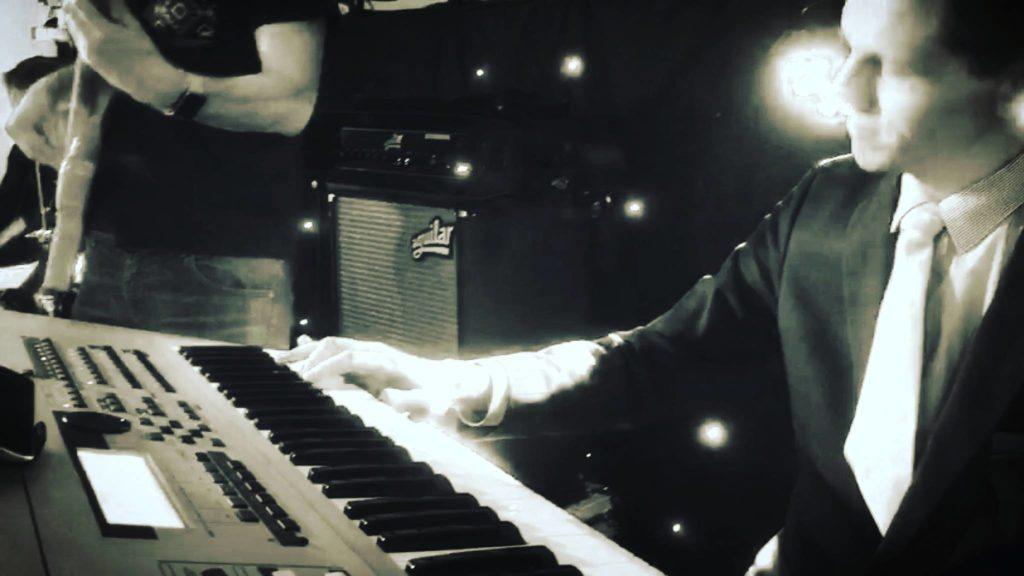 Pianist boeken huren